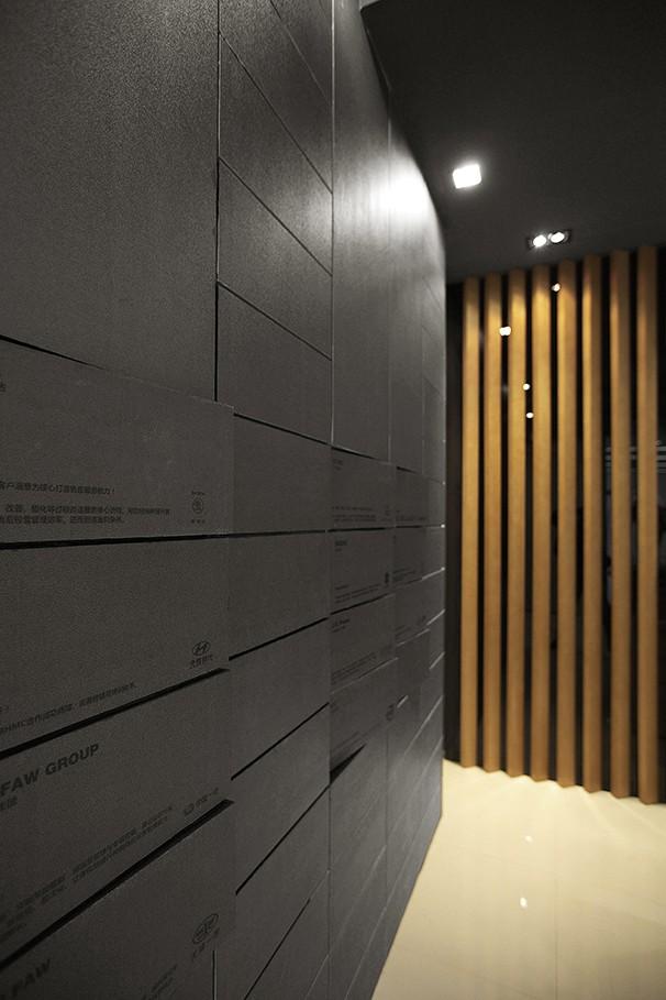 办公室隐藏收纳墙面设计实景图