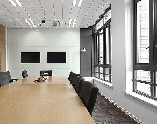 会议室简约设计实景图