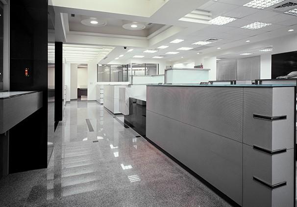 线条创意办公室装修实景图