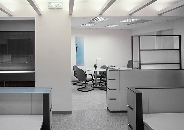 科技感办公室装修实景图