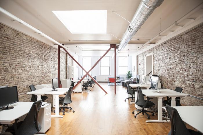 办公室装修设计在色彩选择上需讲究