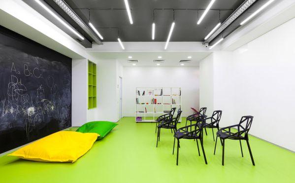 如何打造现代高档的上海办公室装修?