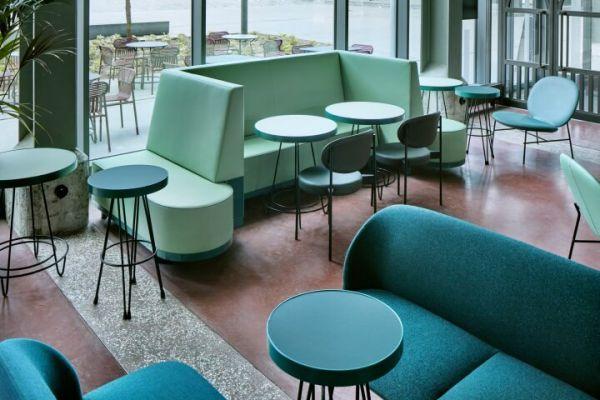 办公室装修改造之现代化餐吧