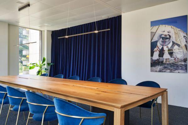 办公室装修体现的传统与现代的结合
