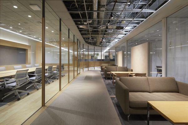 总部办公室装修打破传统工作模式
