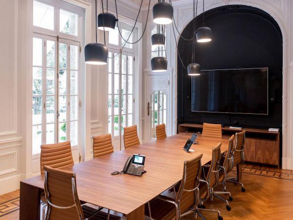 办公室装修设计中地板和电线及自来水管问题